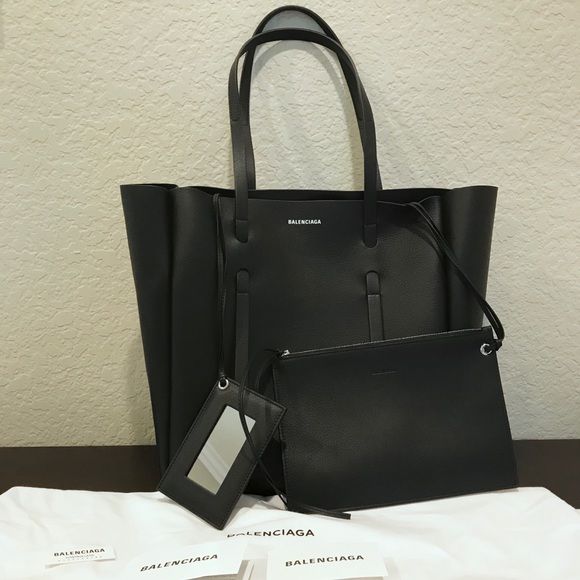 Balenciaga Handbags - Balenciaga Everyday Tote small